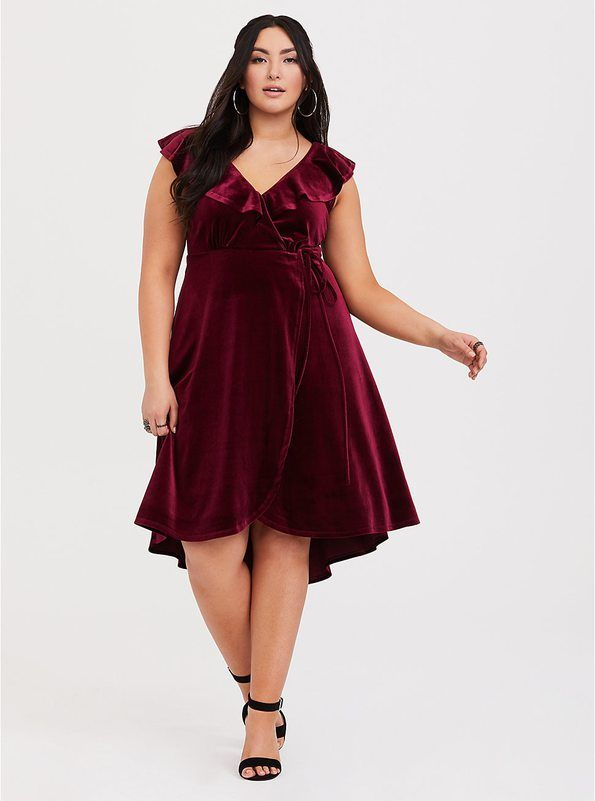 c76b2866833 Holiday Dress Shopping Guide Including Options in Sizes 0-24   XXS-4X by   lolo russell - thestylelodown.com curvy plus size fashion blogger based in  ...