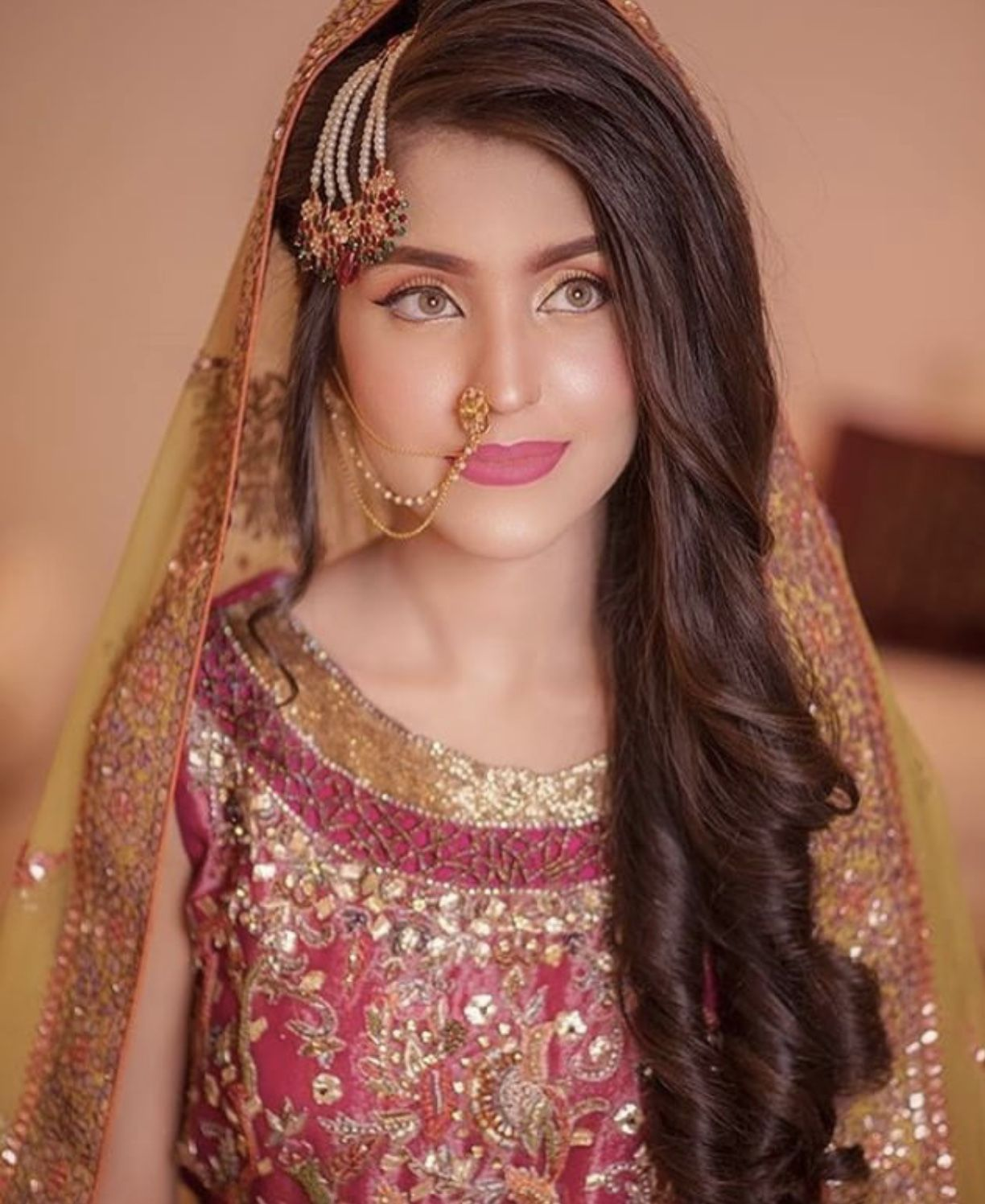 Pin By Mominah Babar On Bride Pakistani Bridal Hairstyles