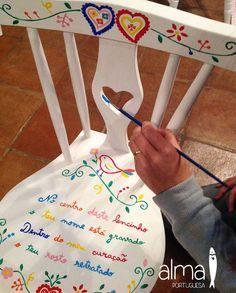 "Hand painted chair ""Lenço dos namorados / lovers handkerchief"" theme, by ""Alma Portuguesa"" #Portugal"