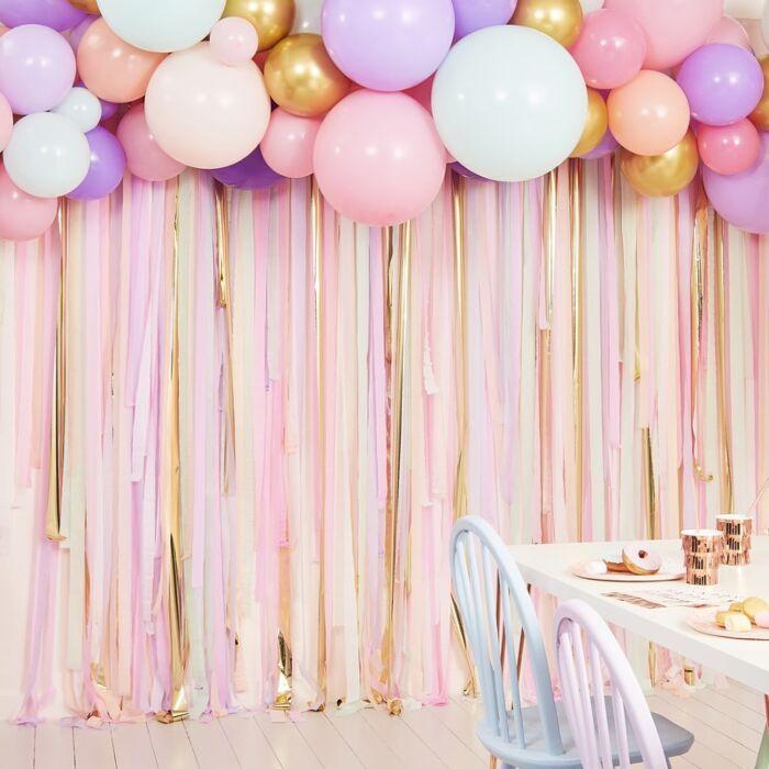 Pastell Streamer und Ballon Party Hintergrund