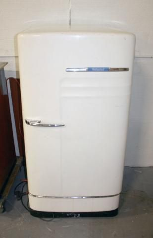404 Page Not Found Error Ever Feel Like You Re In The Wrong Place Vintage Refrigerator Vintage Fridge Retro Refrigerator