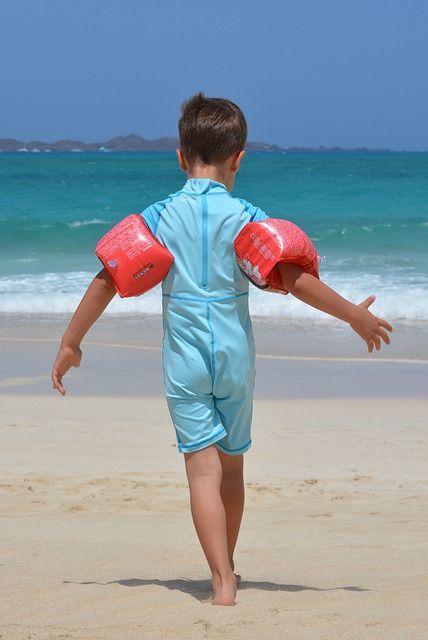 少年, ビーチ, 海, ゴムリング, Uv スーツ, 子, 人々 - Pixabayの無料画像