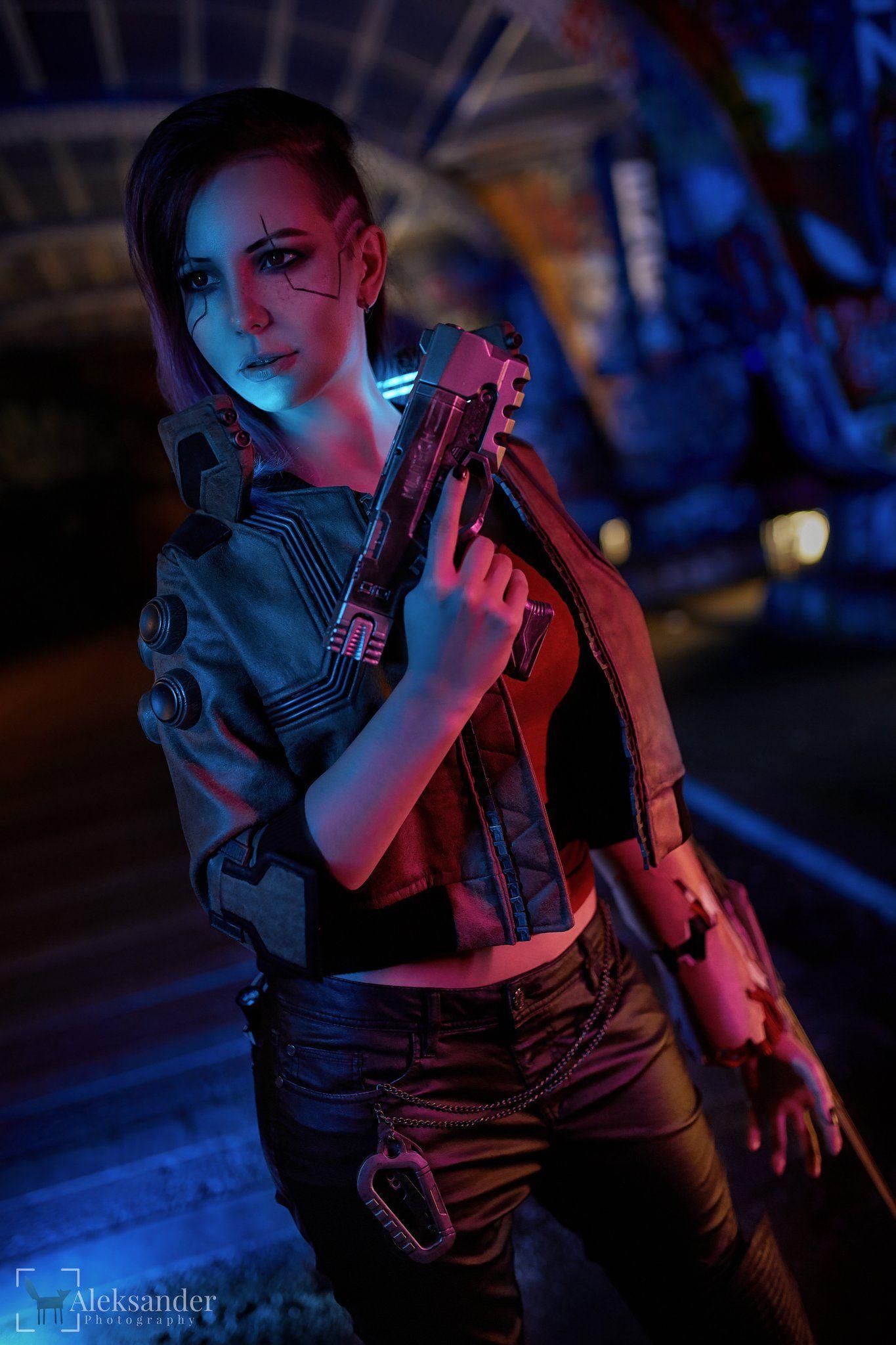 Cyberpunk 2077 Fem V Cosplay by KetrinCosplay. For