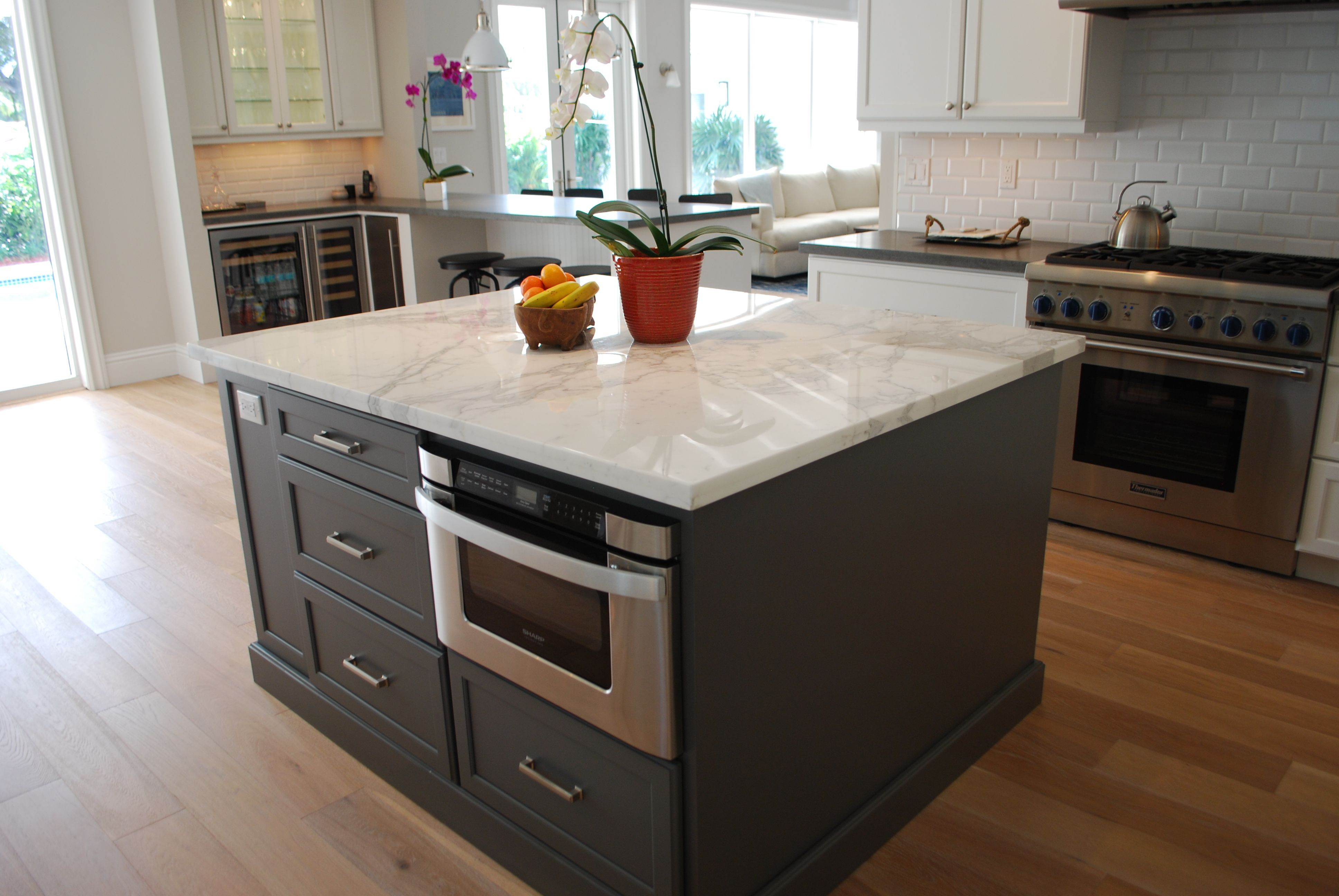 A Kitchen Is Were Memories Are Made Call Us At 305 234 1990 In 2020 Modern Kitchen Grey Blue Kitchen Kitchen Cabinetry