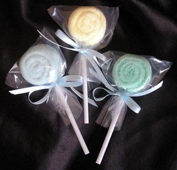 Free Baby Projects: Baby Washcloth Lollipop Favors