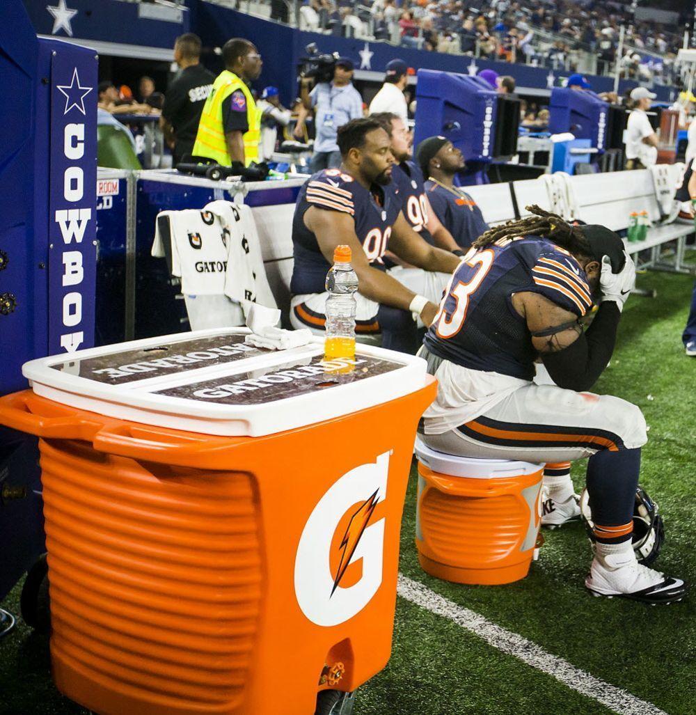 Smiley N. Pool/Staff Photographer. Chicago Bears defensive