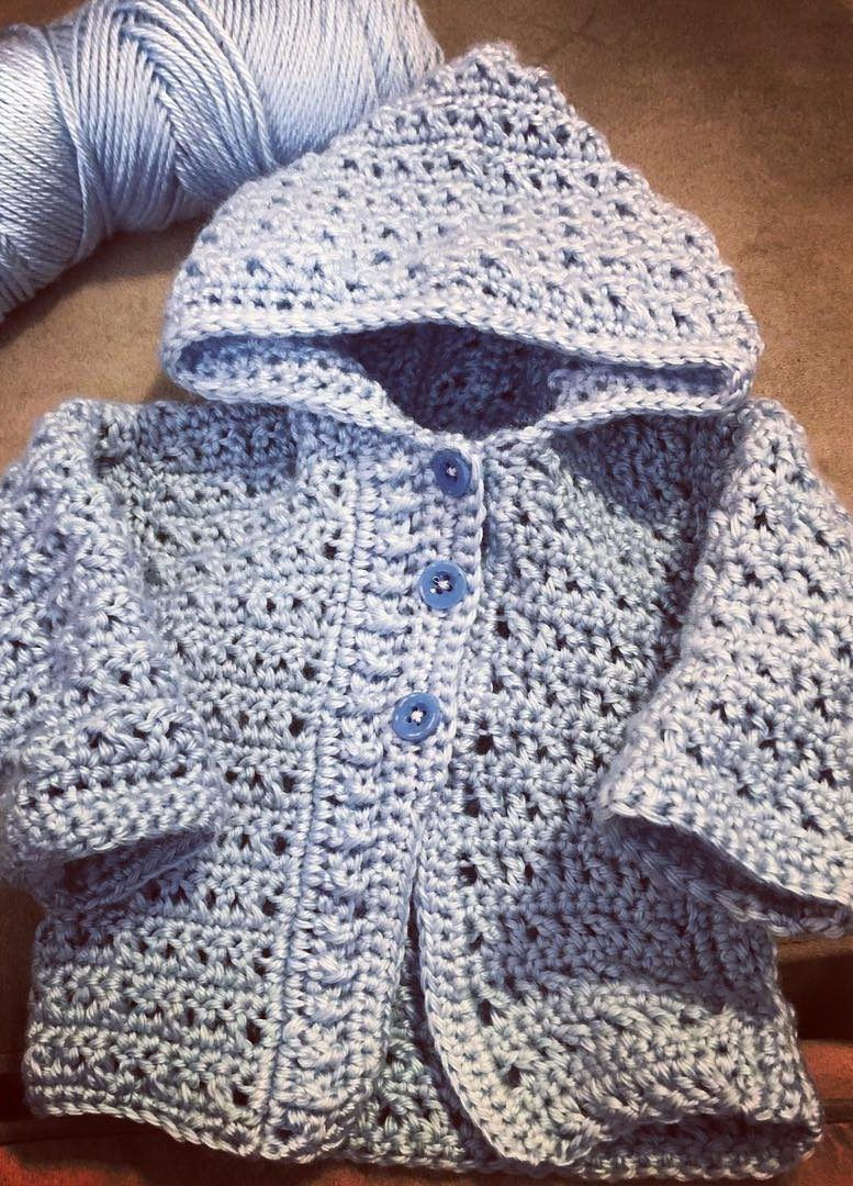 Free crochet pattern for the easy beginner - Page 33 of 49 #crochetbabycardigan