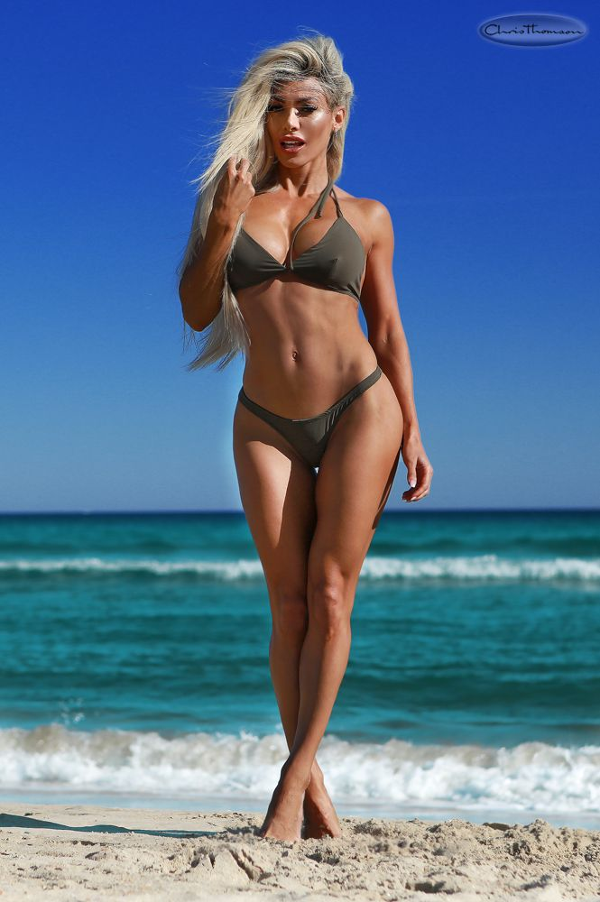 Danni Levy Nude Photos 13