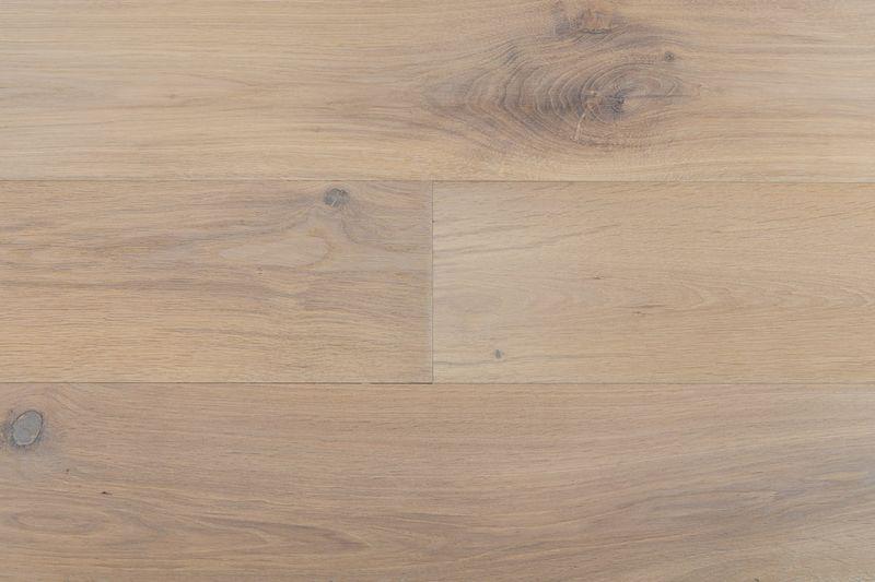 European Oak Alaric Species European Oak Color Alaric Width S 7 8 Const Wood Floor Design Hardwood Floors White Oak Hardwood Floors