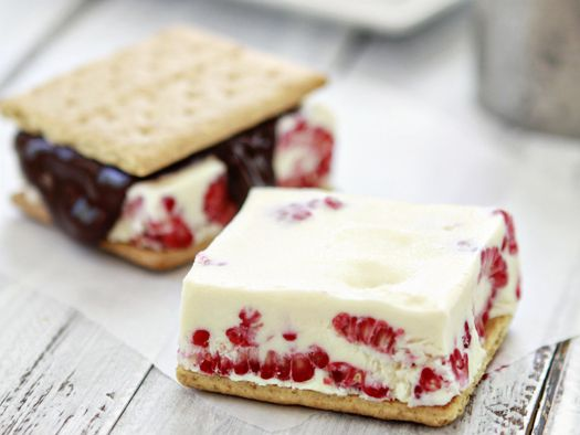 Easy Raspberry-Vanilla ice cream sandwiches - fudge optional!
