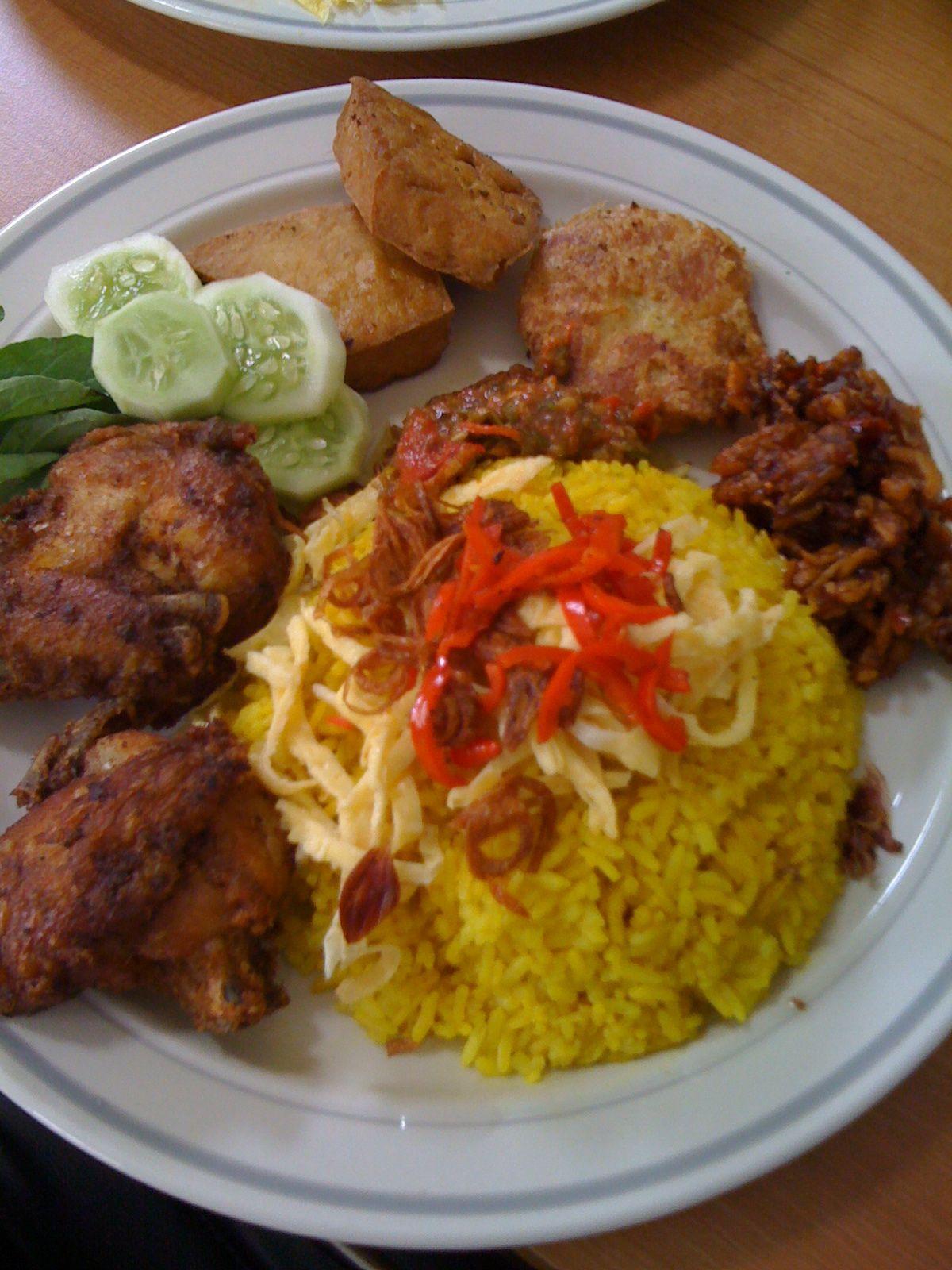 Resep Dan Cara Membuat Nasi Kuning Tanpa Santan Yang Enak Gurih Dan Sederhana Resep Ide Makanan Resep Masakan