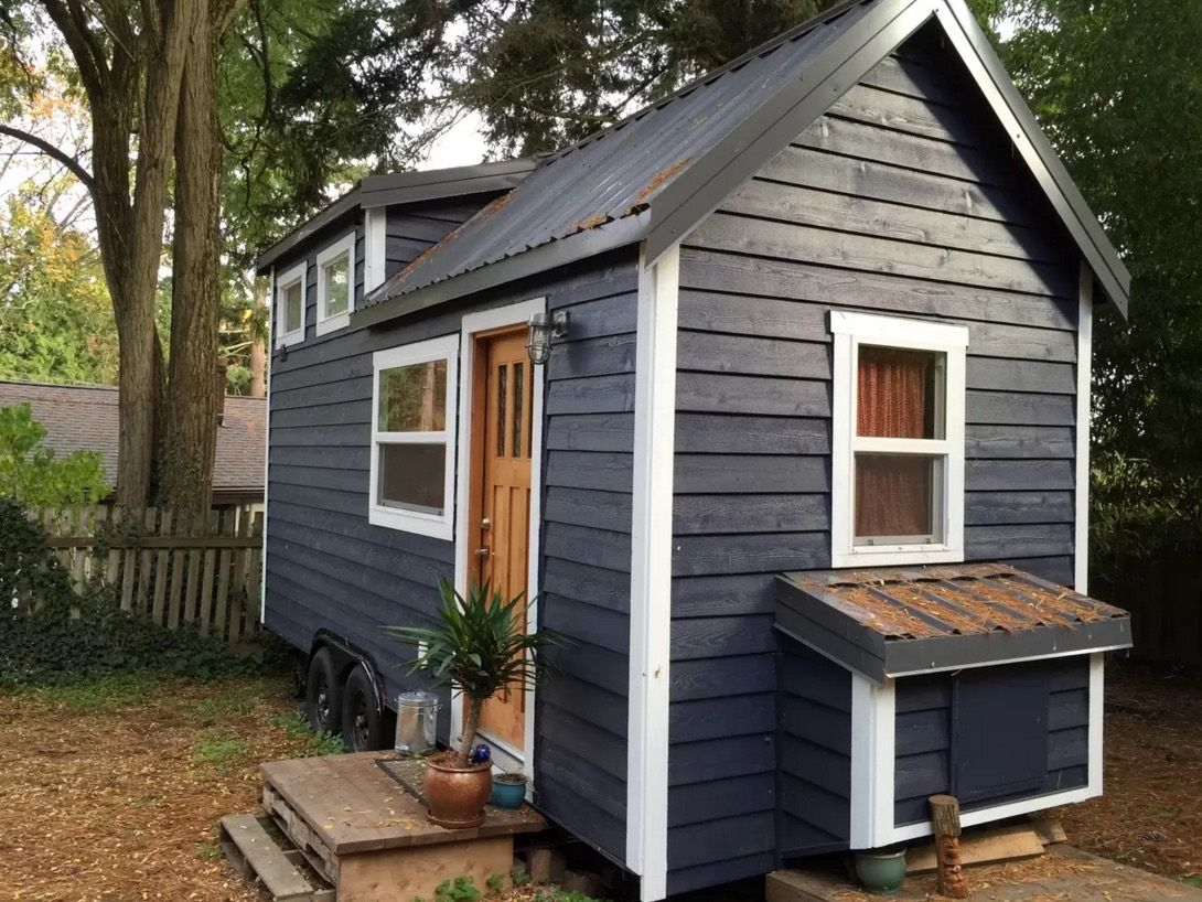 240 Sq Ft Tiny House In Seattle 001