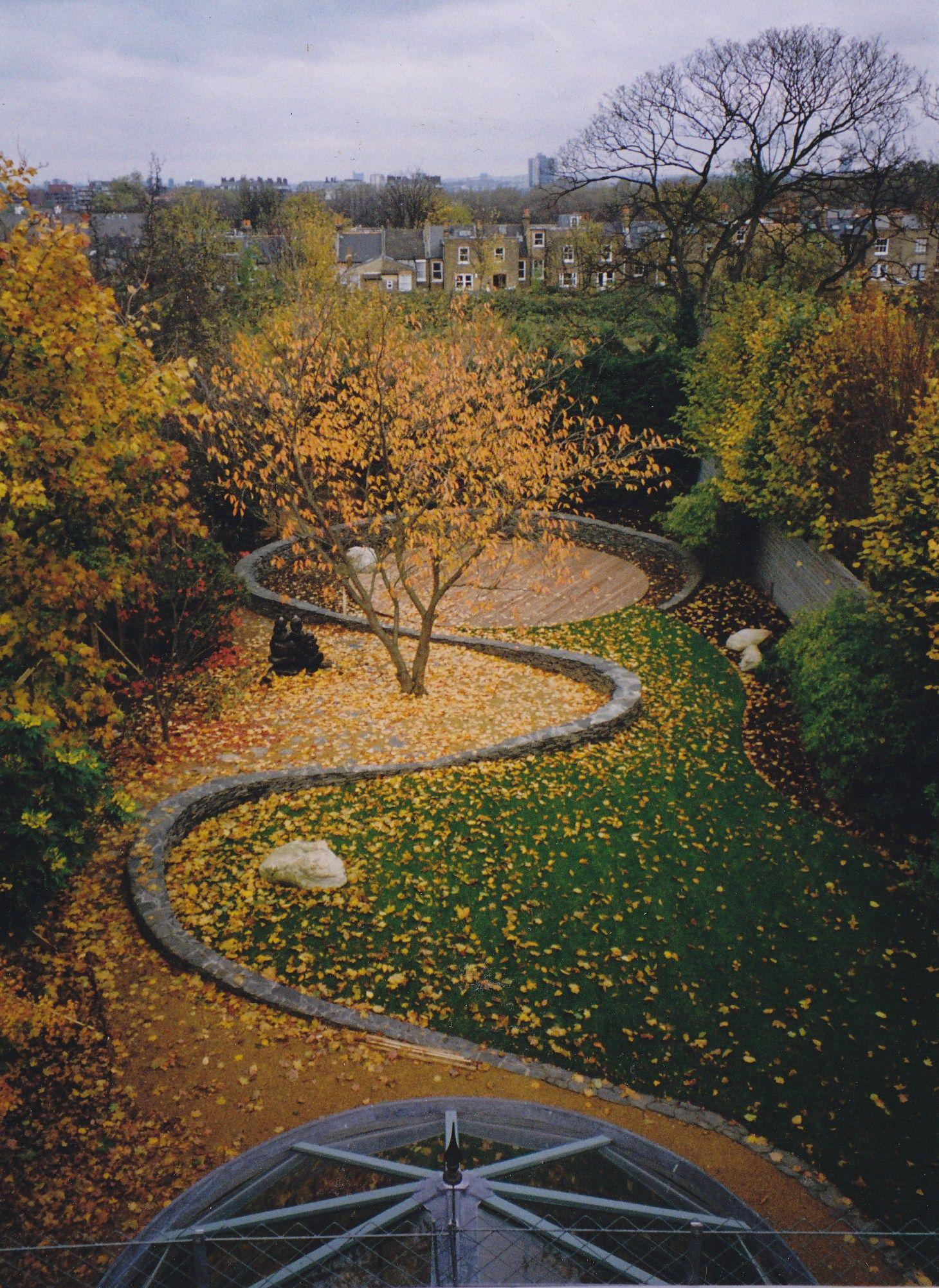 Autumn at Foster's garden by Roberto Silva Landscape and Garden Deisgn
