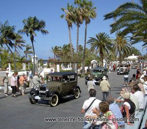 Classic car shows surrounded by palms in Tenerife Spain