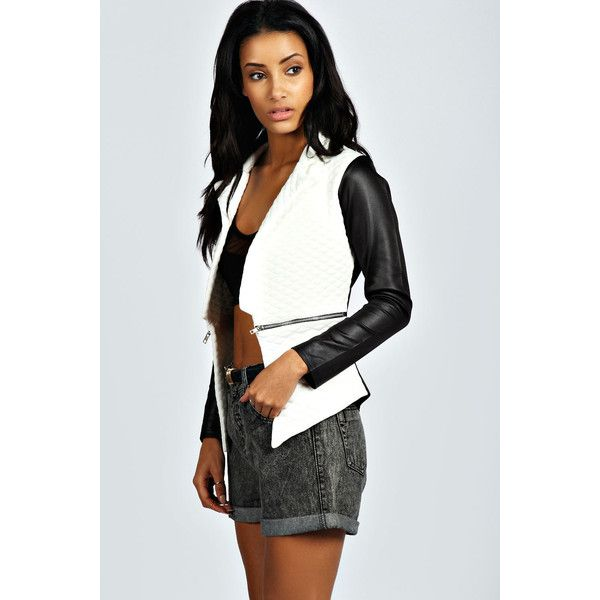Boohoo Bonnie Quilted Zip Blazer ($30) ❤ liked on Polyvore featuring outerwear, jackets, blazers, black kimono, black jacket, black moto jacket, quilted bomber jacket y floral kimono
