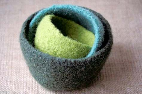LOVE these nesting knitted, then felted bowls. Easy and sweet.