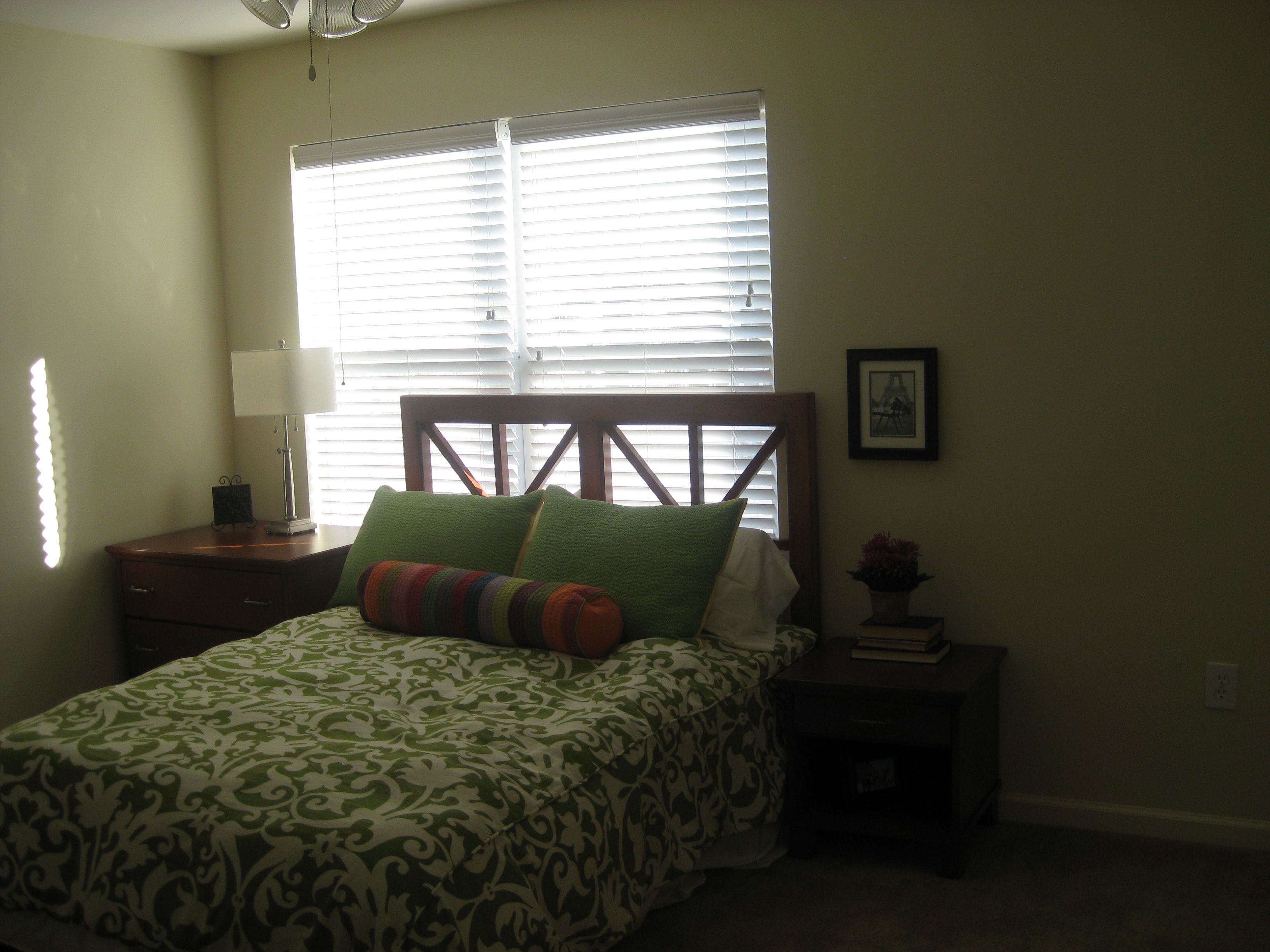 Tired of student apartments? We have student COTTAGES! Check out this spacious bedroom in a 3x3 Fairview cottage!