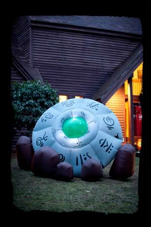 6x10ft Tall/Wide Crashed UFO   wwwhalloweeninflatables - outdoor inflatable halloween decorations