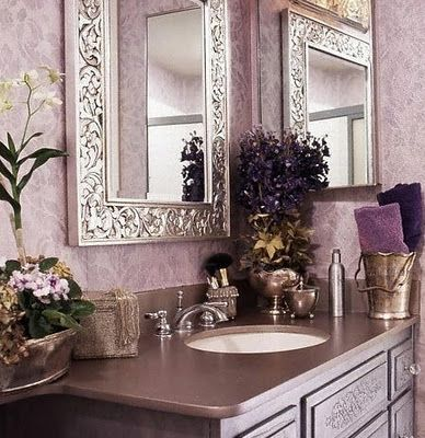 Classic Chic Home Decorating With Sultry Shades Of Purple With