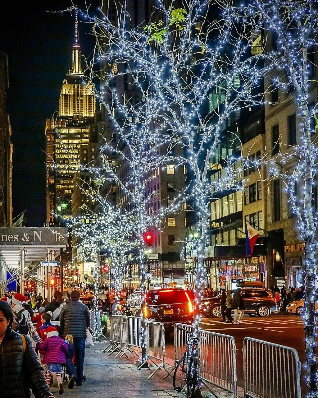 Christmas Lights In New York 2019 Christmas Lights by chandleLee in 2019 | U.S.A.. NEW YORK | New
