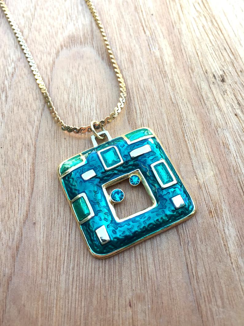 90s Vintage Pendant 1990 Necklace 90s Retro Green And Gold Etsy In 2021 Necklace Price Necklace Gold Pendant Necklace