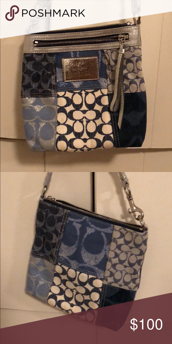 c9a1ff411ec COACH purse - Patterned cross body bag This bag is perfect for a jean denim  day