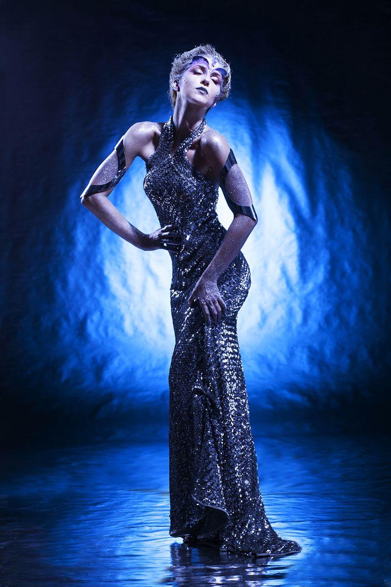 Photographer: Pierre Joosten / Model: Jessie Nadeau / Stylist & Makeup: Carole Duchesneau.
