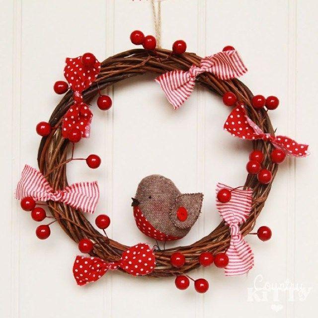 https://flic.kr/p/odN4fX   Fromhttp://www.countrykittyland.com/2013/11/my-little-christmas-market-stall.html?m=1! #guirlanda #artesanato #cerejas #vermelho #cherry #red #bird #passarinho #casalinda #casadecorada #bemvindo #welcome #laços #cute #alegre