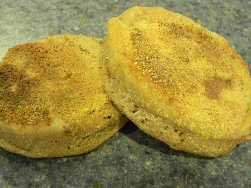 Home Joys: Sourdough English Muffins