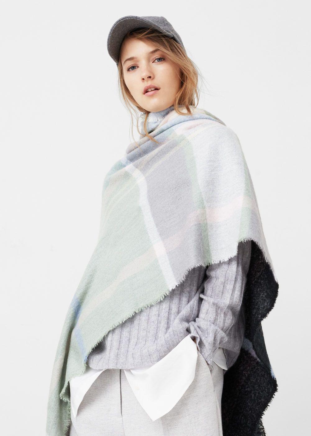 8ae0e0648810 Check scarf - Woman   nouveau look pour une nouvelle vie   Pinterest ...