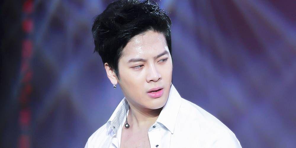 Getwellsoonjackson Trends Worldwide After Jackson Allegedly Collapses At Fan Meeting Jackson Got7 Jackson Jackson Wang