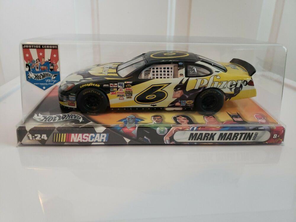 Mark Martin Hot Wheels Justice League 1:24 Diecast Vehicle NASCAR Batman