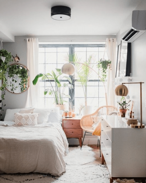 25 Ways Decorating Apartment Bedroom #apartmentdecorationideas #bedroomdecorationideas #bedroomdesign #eweddingmag