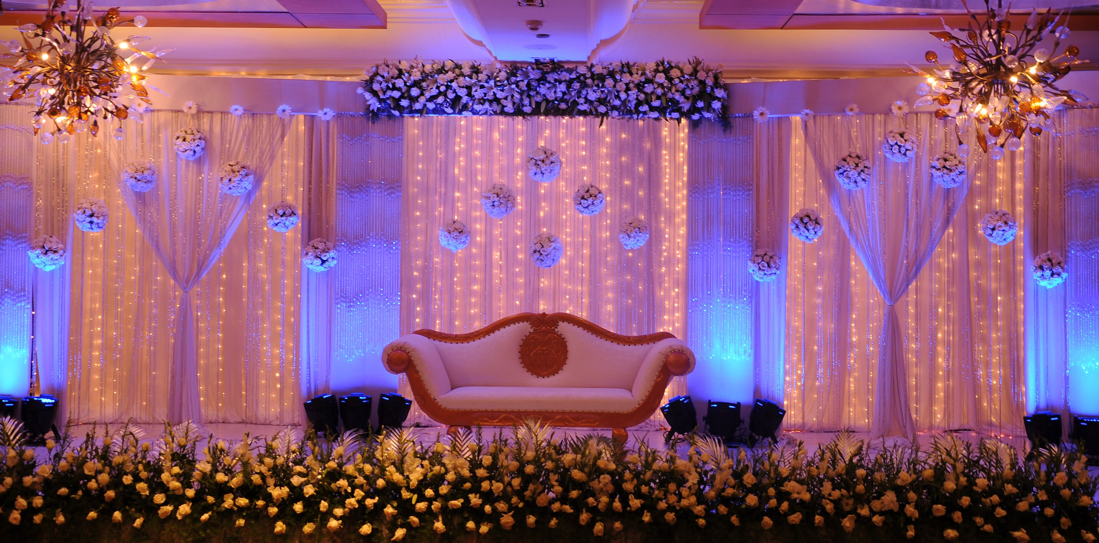 Stage Decoration Pin By Wedding Dot Com On Wedding Decorations In 2019 Pinterest