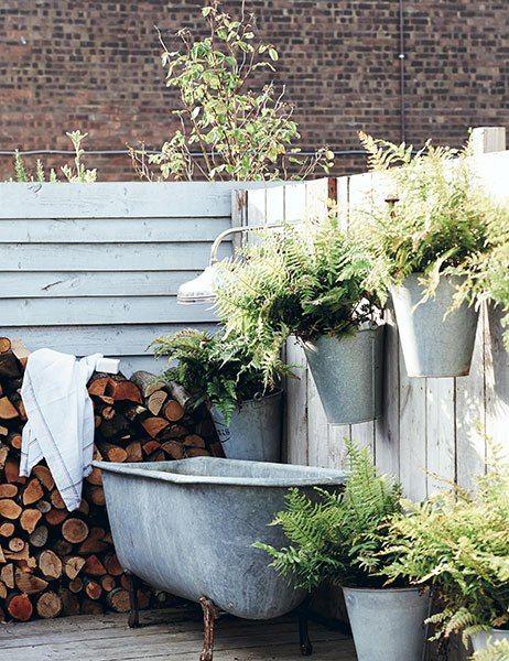 Outdoor bathroom <3 #pflanzenfreude #pflanzen #plants #leben #living #freestandingtub #goodlife