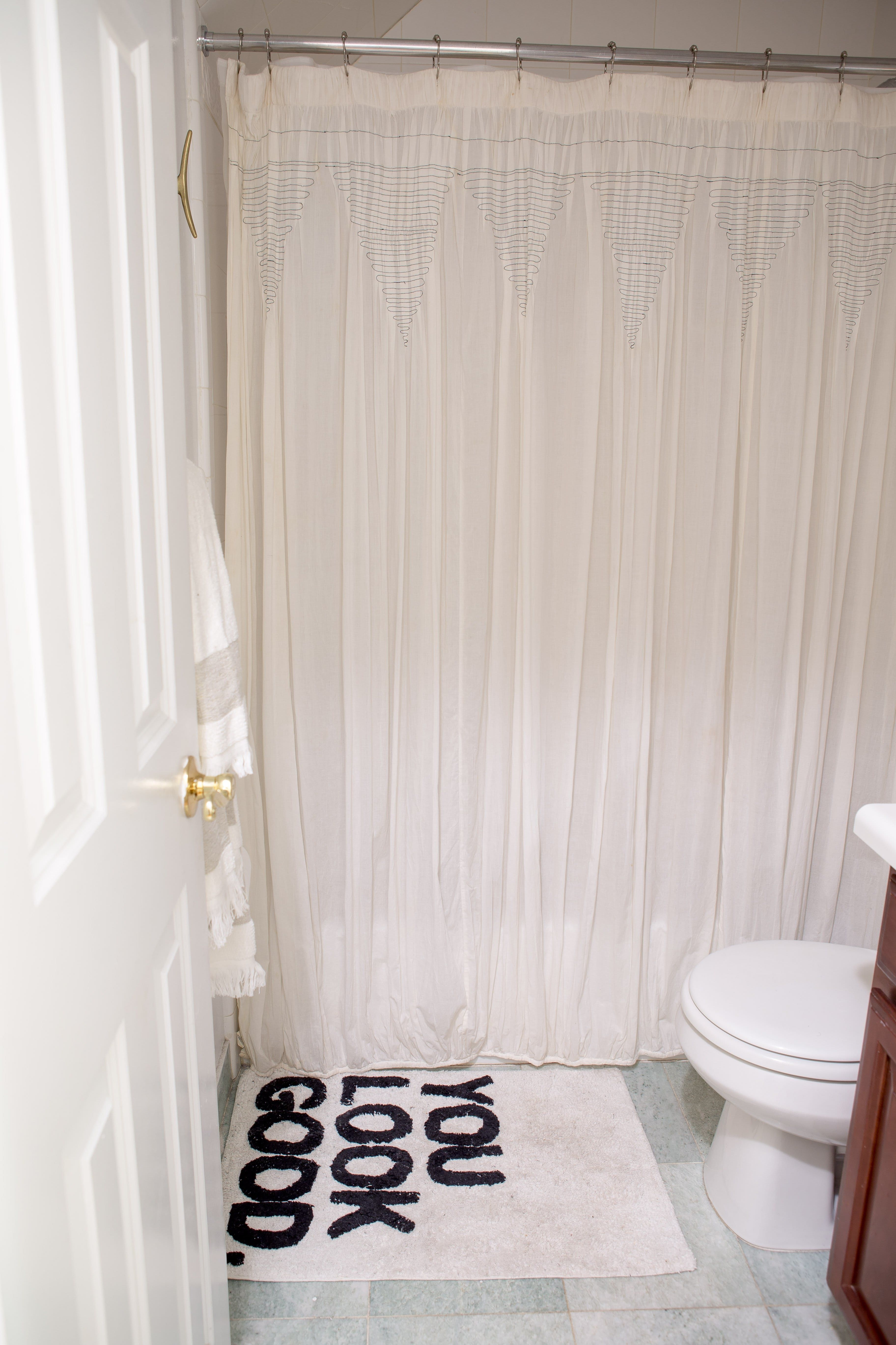 10 Styling Ideas for Small Rental Bathrooms