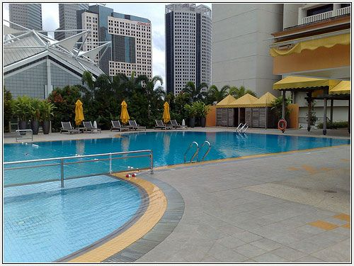 Book marina mandarin hotel singapore with our hotl deals for Pool garden marina mandarin