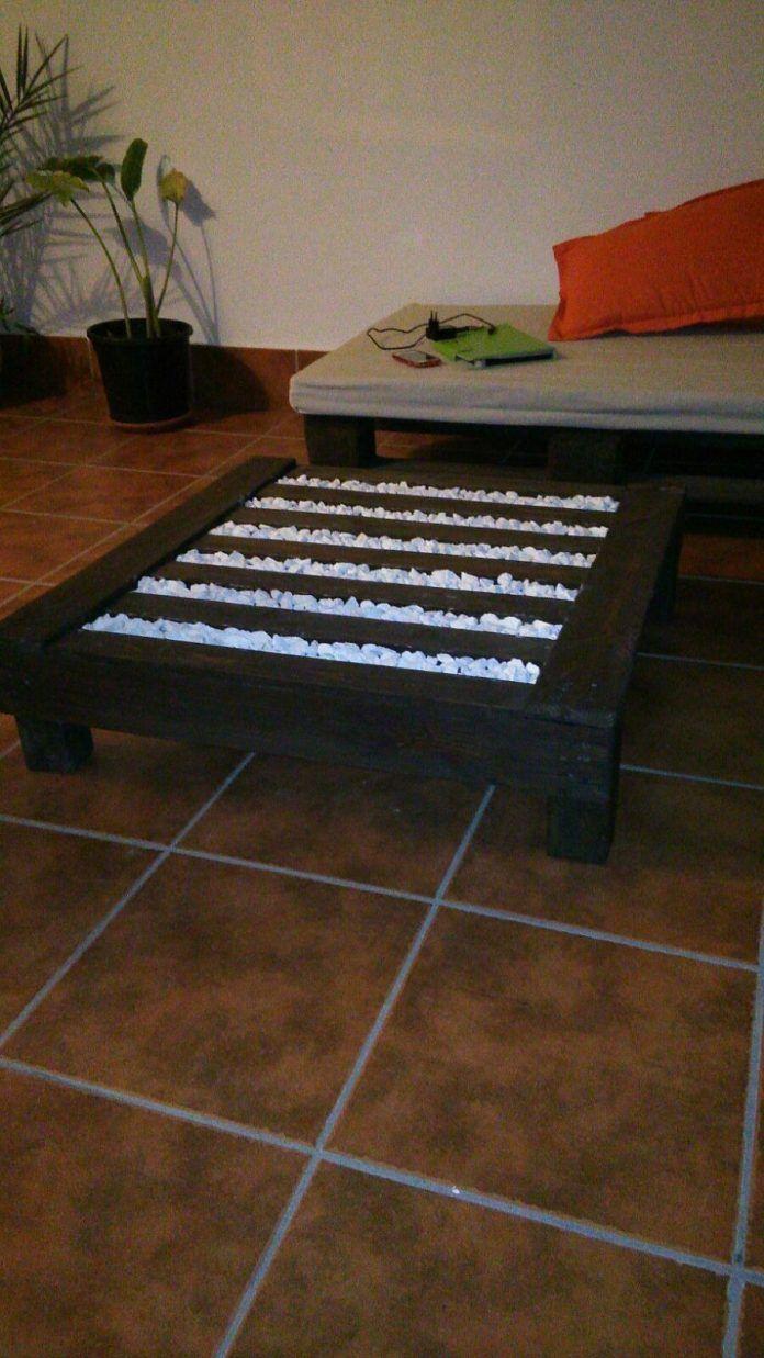 Mesa de centro de palet y piedras decorativas - Muebles hechos con ...