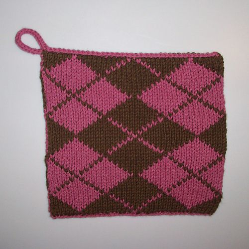 Double Knit Argyle Potholder But I Think Id Keep Repeating Pattern