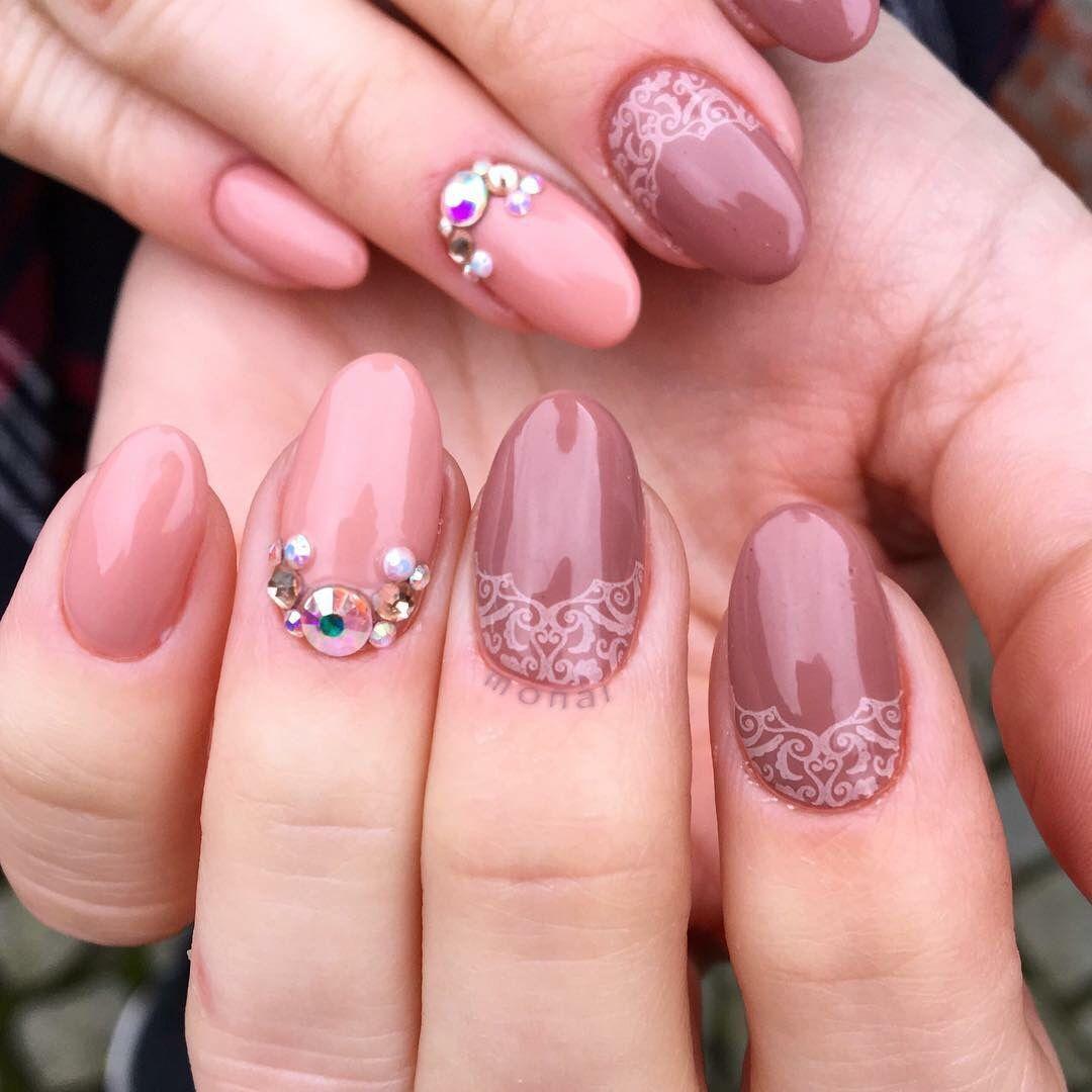 Uberchic stamping Nail art, gelnails, short nails, Nude look nails ...