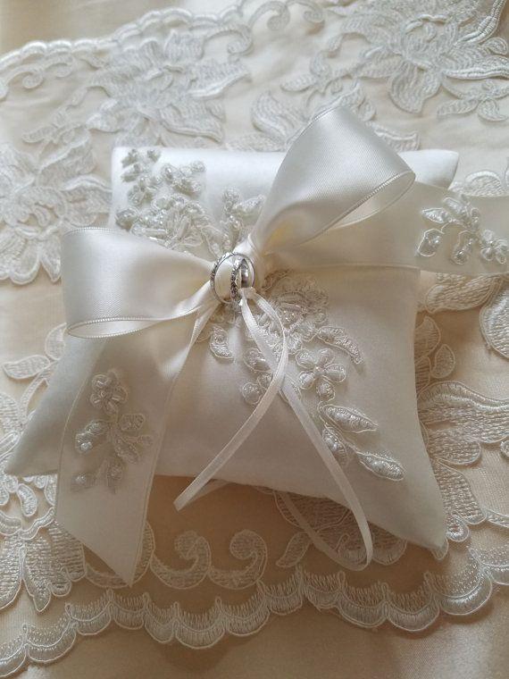 Boda almohada cojín de la boda almohada de encaje por JLWeddings