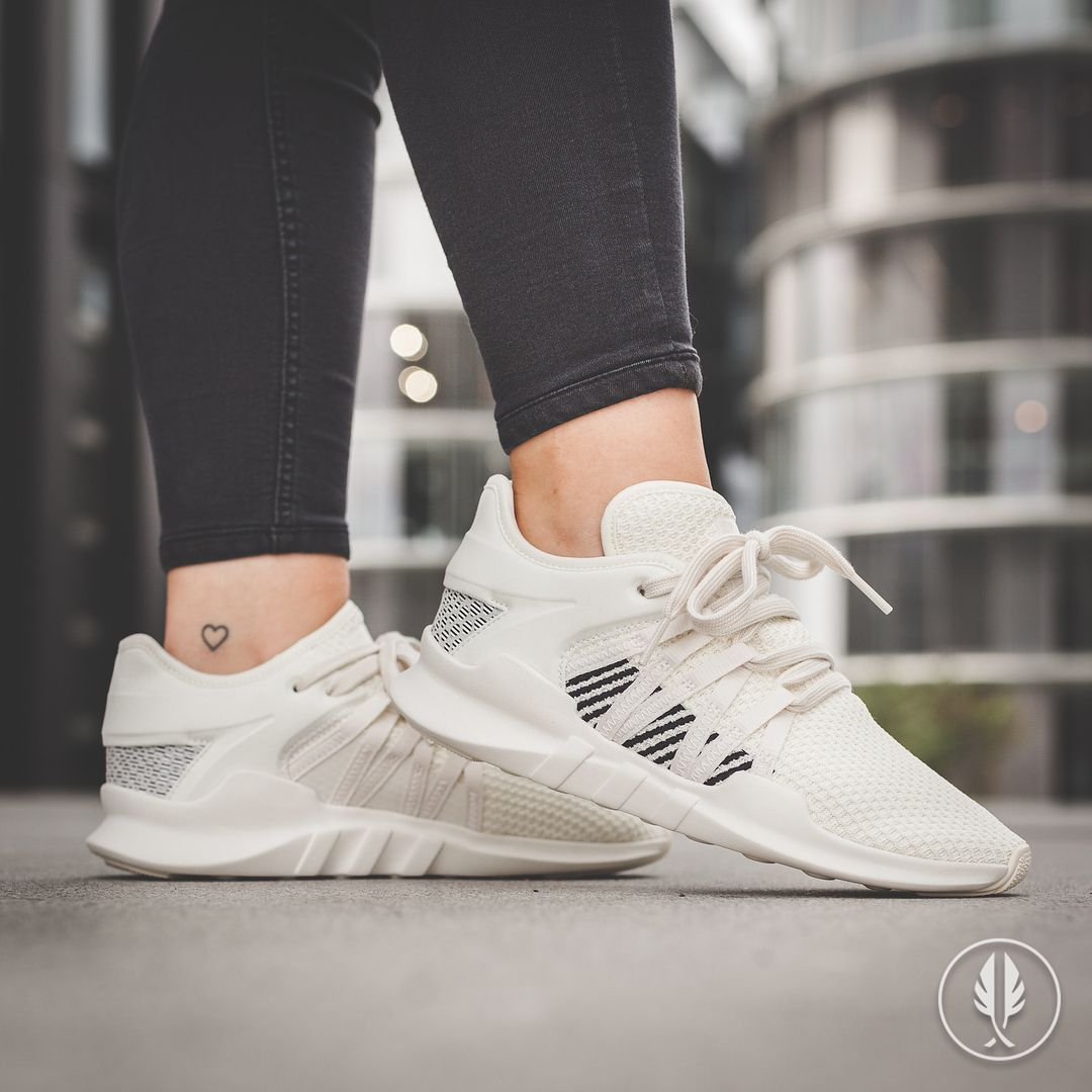 「adidas Originals EQT Racing Adv Trainers In Cream」的圖片搜尋結果