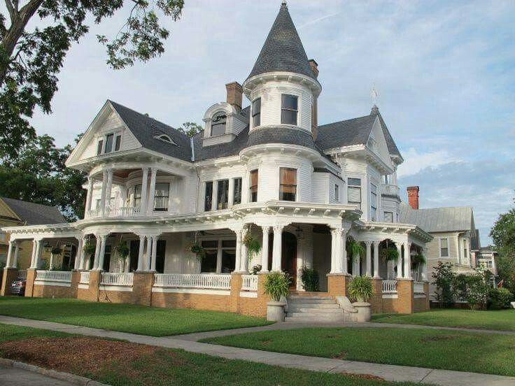 Nice Big Victorian Victorian Homes Victorian Farmhouse House Styles