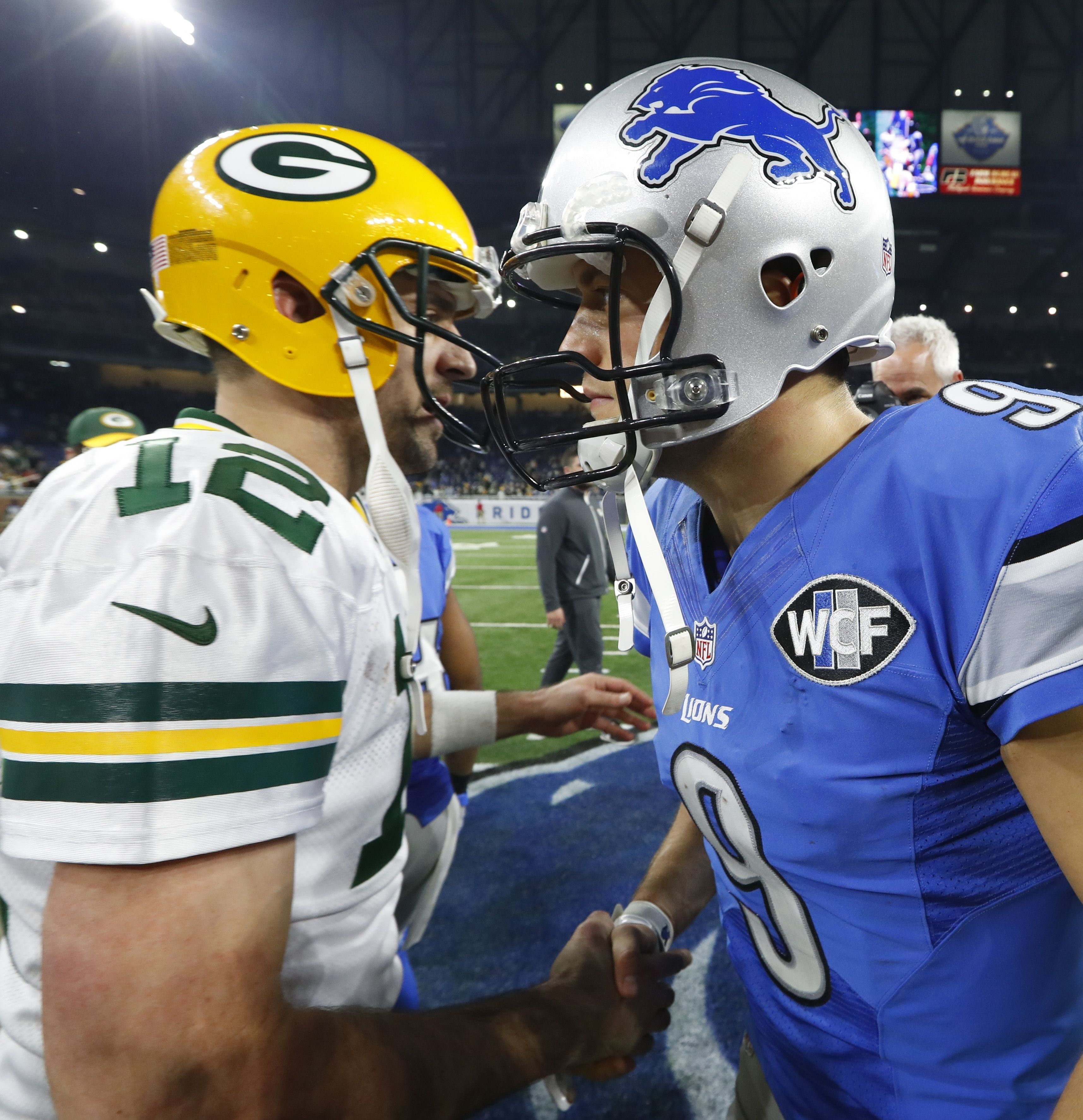 Two Of The Best In The Game Meet After Week 17 Will They Meet Again In The Playoffs Ap Sancya Football National Football League National Football