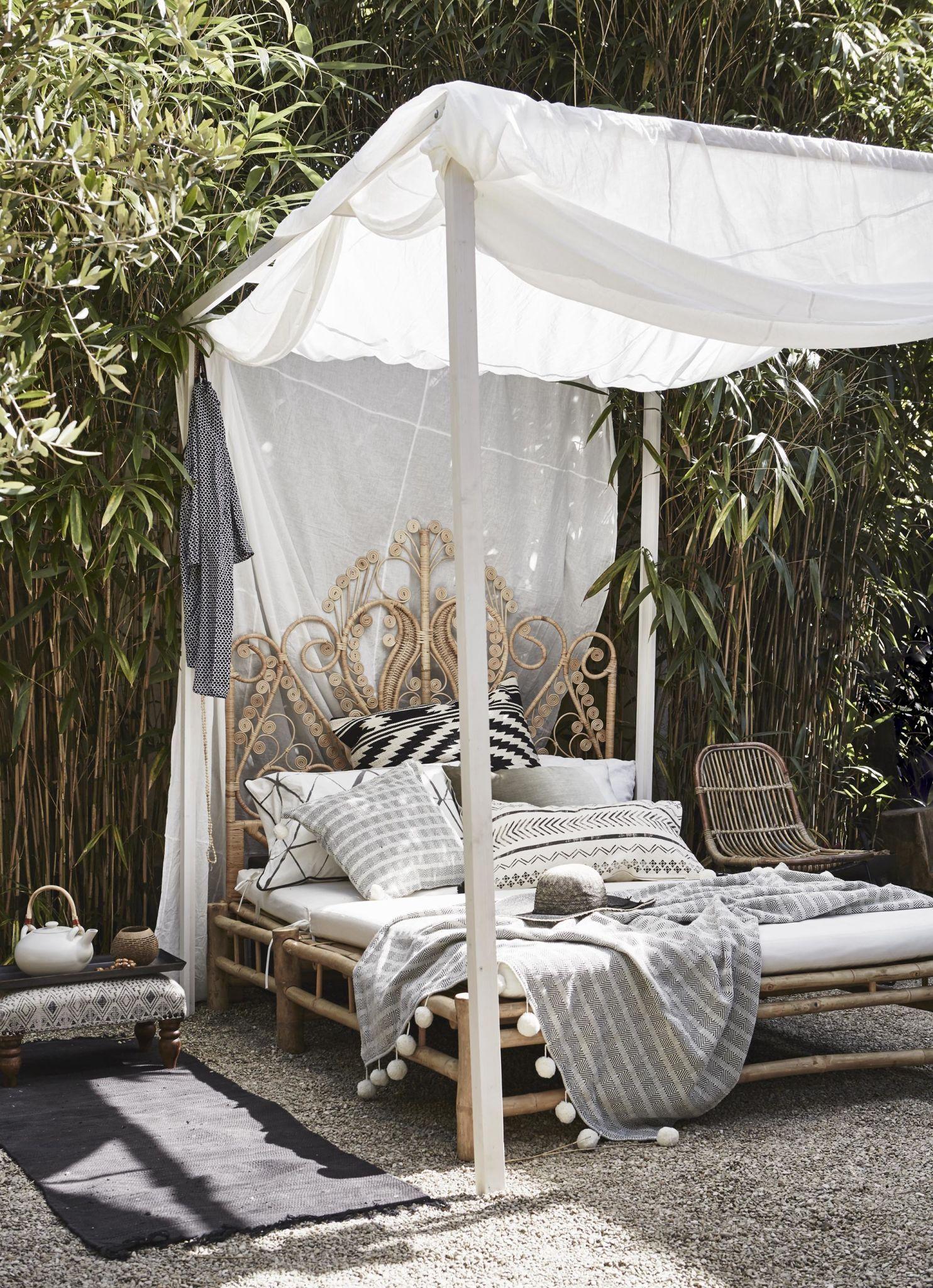 DIY Outdoor Bed & DIY Outdoor Bed | Garden and Outdoor Tips and Tutorials ...
