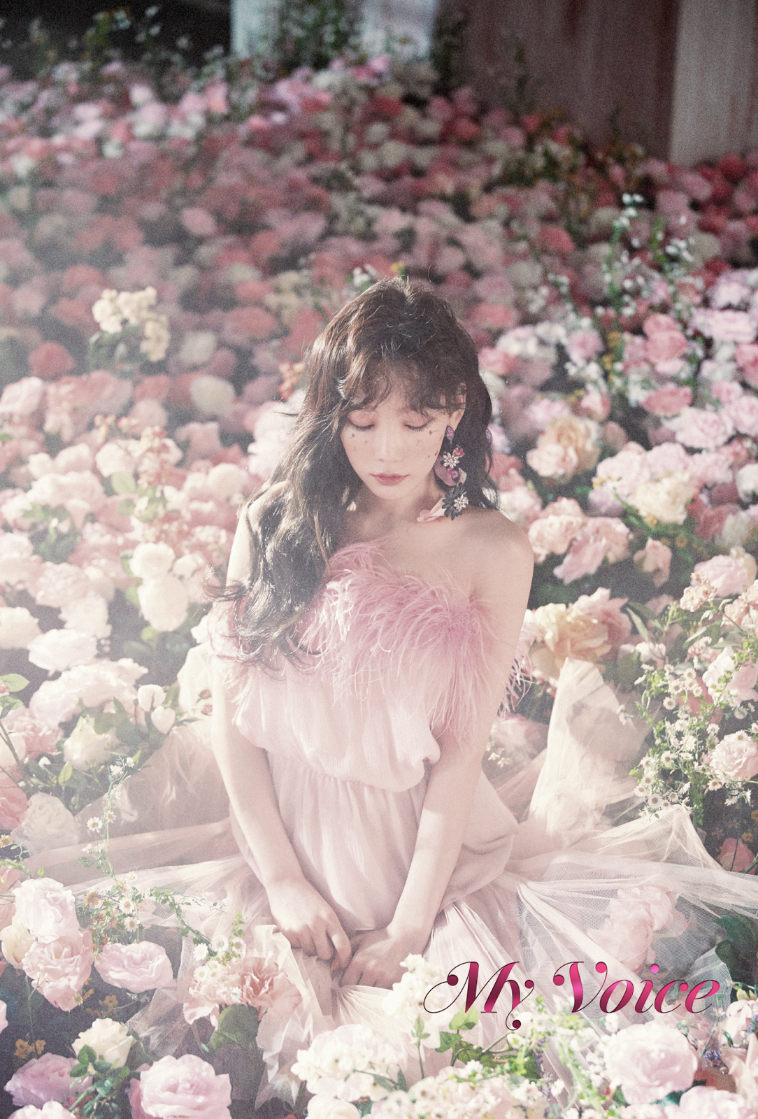 taeyeon the 1st album my voice deluxe edition digital booklet