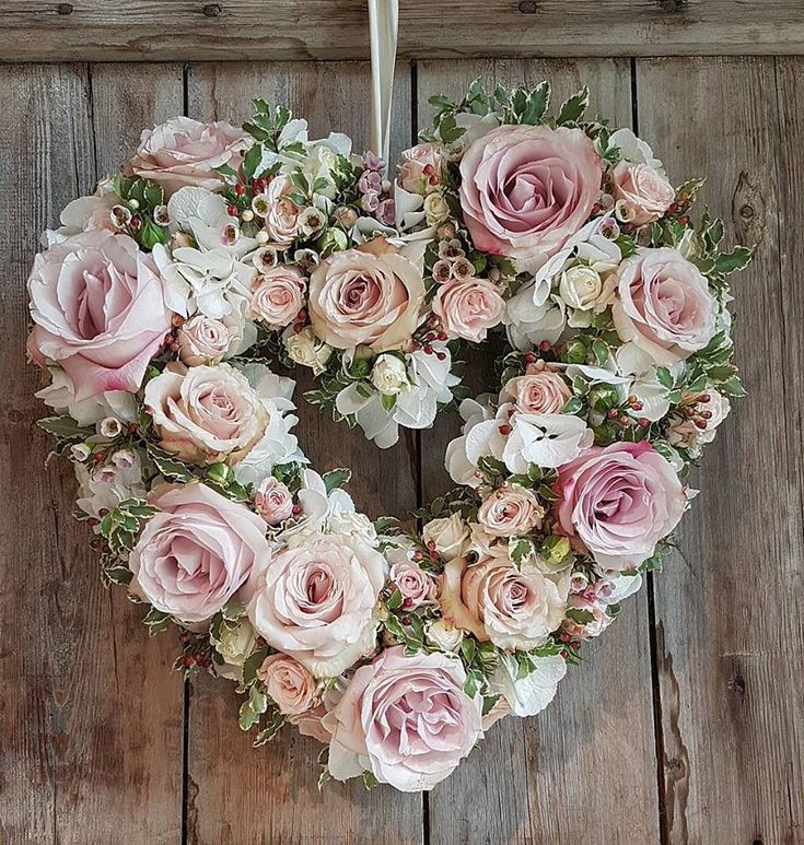 Photo of Pen hjerteformet blomsterkrans. Bra for bryllup? – bryllup # blomster …