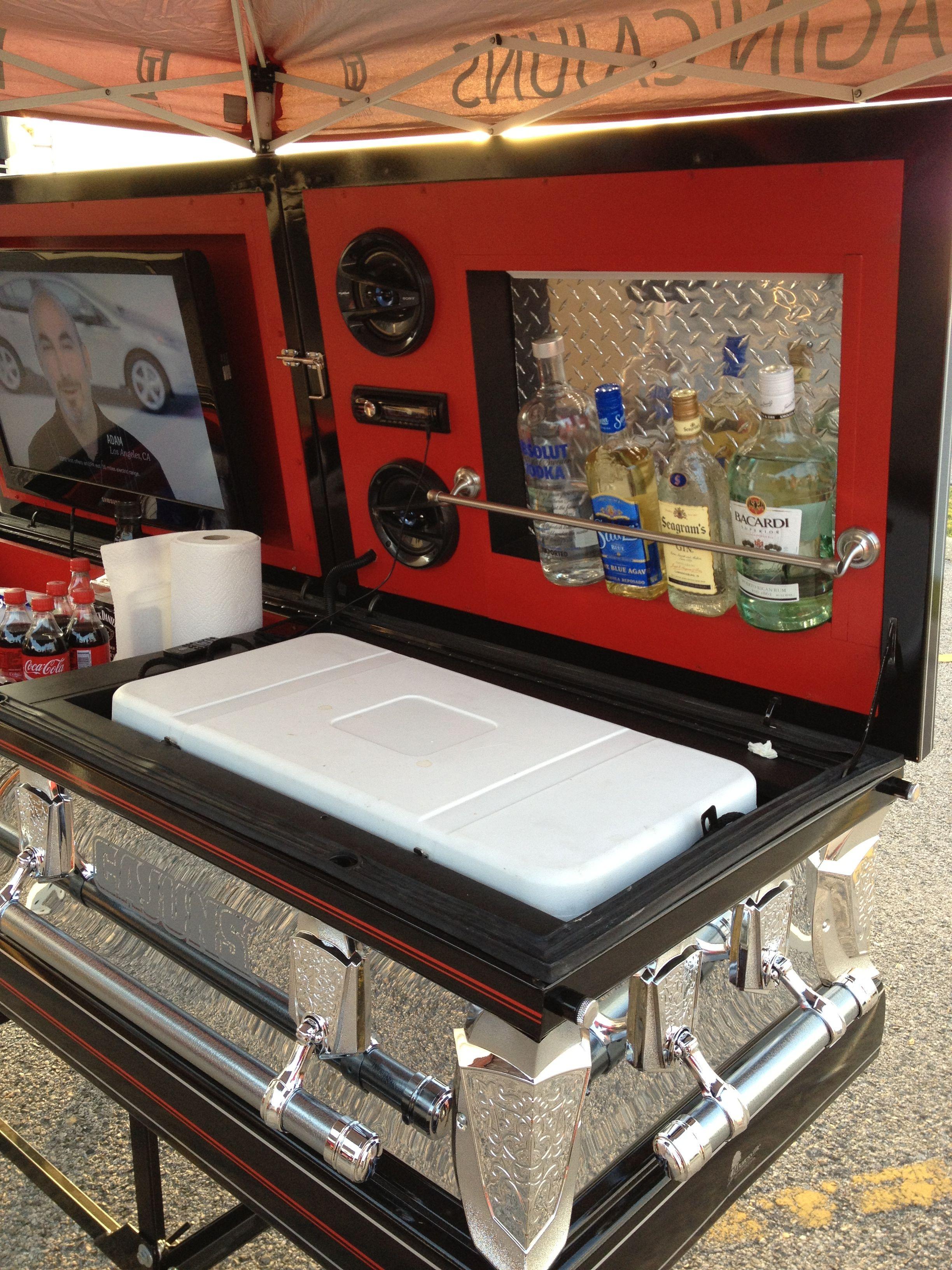 Coolest casket!! Casket, Funeral arrangements