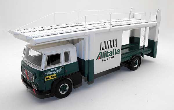 Fiat 673 Scuderia Lancia Transporter 1:43 model
