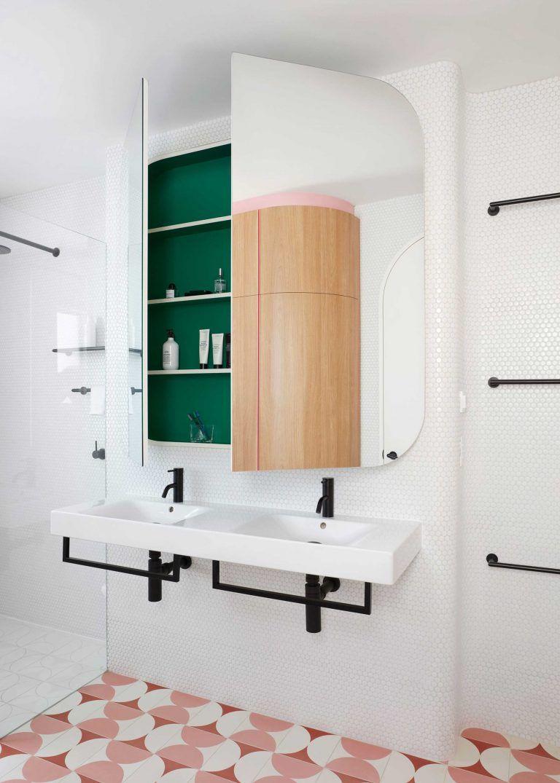 Pin On Bath Ideas [ 1075 x 768 Pixel ]